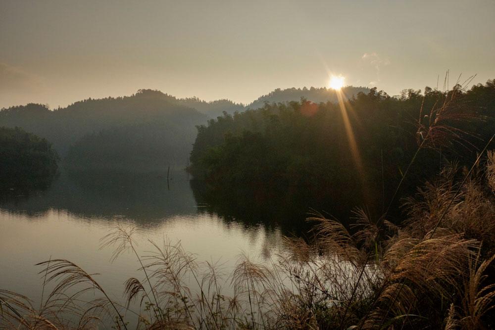 落日下的太平湖